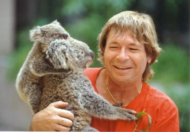 John-Denver-with-Koalas1